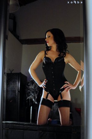 Yoanna greek escort girl River Grove