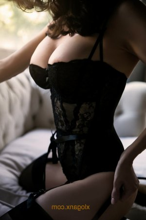 Tessie greek escorts in Folsom