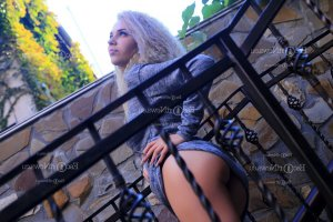 Carmele escort girl Savannah
